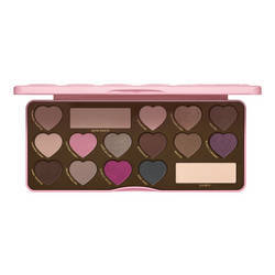 Make up Donna too faced