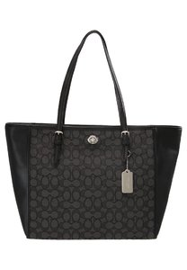 Shoppers & Shopping Bags Donna coach