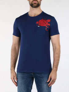 T-Shirt & Polo Uomo guess in offerta 50%