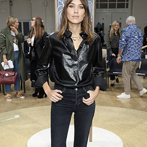 Alexa Chung al suo debutto alla London Fashion Week