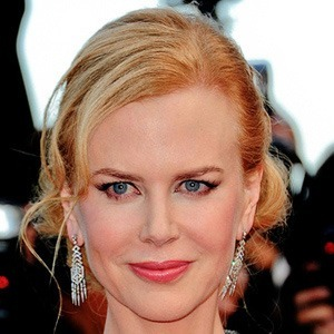Nicole Kidman trionfa in total black