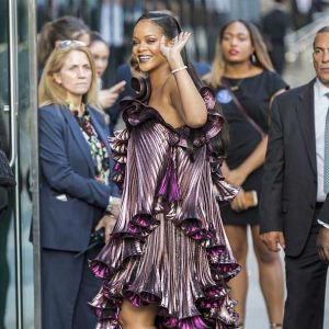 Ocean's 8: Rihanna in Givenchy incanta il red carpet