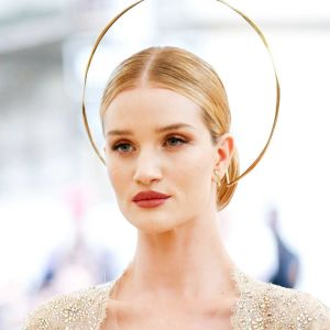 Rosie Huntington-Whiteley: un angelo biondo al Met Gala 2018